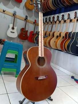 Gitar Akusti elektronik belajar