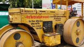 Singh company road roller best condition for sale