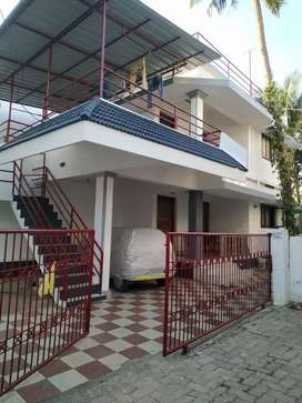 5 BHK House in 8 Cent Land for sale in Kakkanad