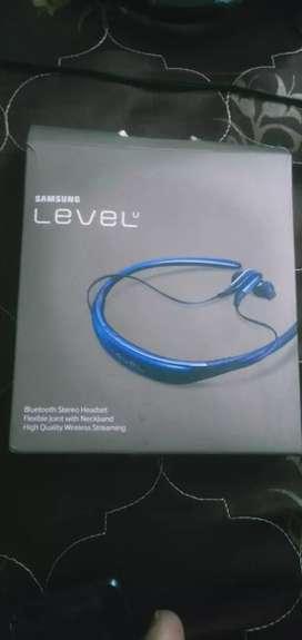 Samsung Level Bluetooth headphone