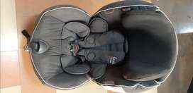 German Made Almost New Car Baby Seat for kids 2Yrs. to 6 Yrs.