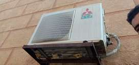 Mitsubishi AC 1 ton for year use not repairing genuine condition