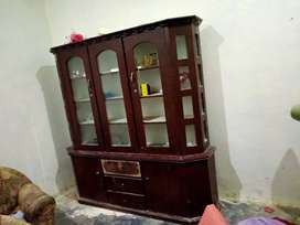 Used dressing table and showcase 6 feet