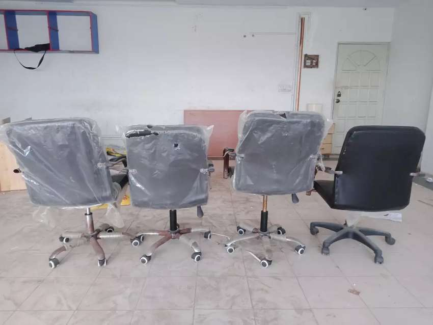 Used chaires for sale 0