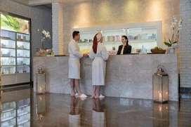 wanted saloon & spa  female receptionist