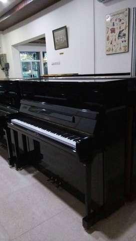 Piano Eropa BOHEMIA