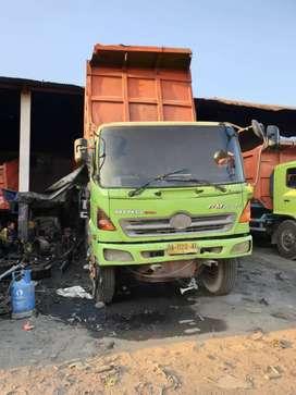 2 Unit Dump Truk Lohan FM 260 n 2007 kondisi jalan @ 220jt