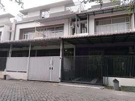 Rumah Cantik 2.5 Lantai Komp J City