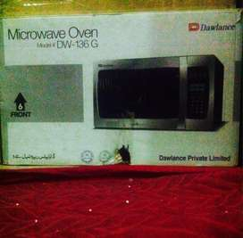 Microwave Dawlance DW 136G Just 3 Day Used Zero Metre Cndtion