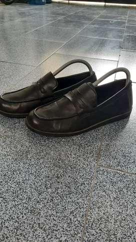 Sepatu slip on black cowo dan cewe