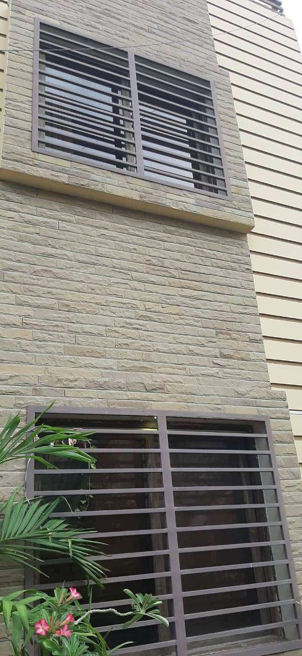 275 yards Bangalow for sale in gulshaneiqbal 0