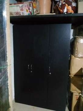 3 door wardrobe for sell