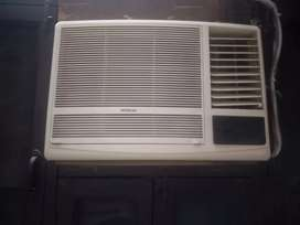 HITACHI WINDOW AC 1.5 TON FIVE STAR
