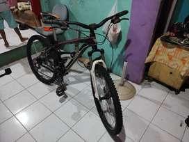 Dijual sepeda gunung ukuran 26