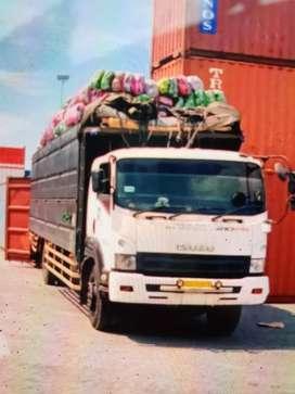 Truck isuzu giga 210Ps  tinggal pakai.surat lengkap