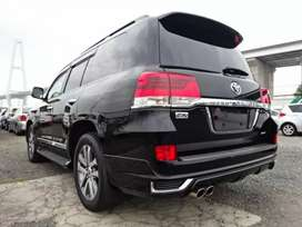 Black color Toyota land cruiser ZX full house import 2018