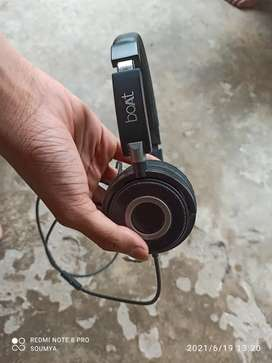 Boat headphone available at chaep price
