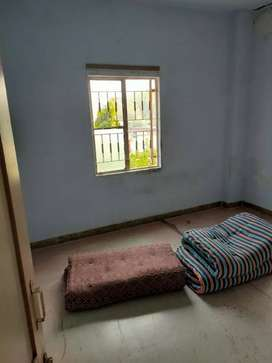 1bhk available for 3 bachlor