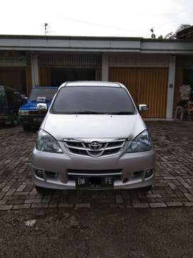 Dijual Toyota Avanza  Th 2011 Akhir