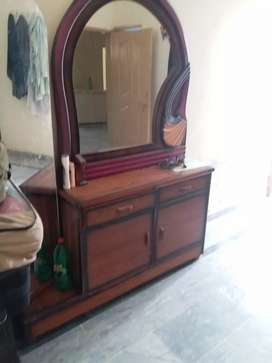 dressing table with double mirror good condition just like a new