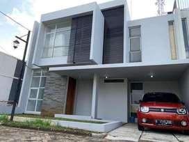 Rumah 2 Lantai dikontrakan Murah !!!