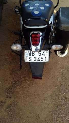 New candiction Bajaj v15  ekdom new only 6000km drive