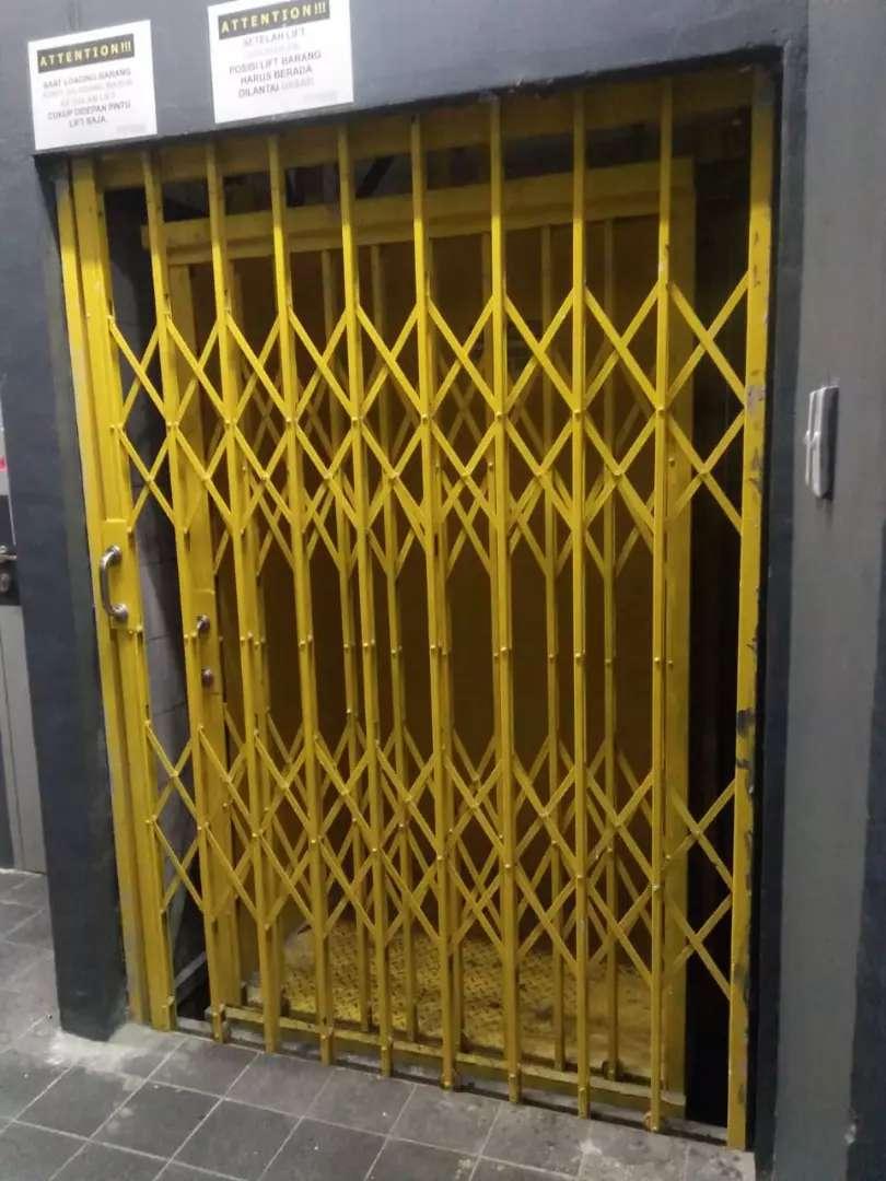 Pintu harmonika 0
