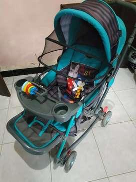 Stroller pliko biru roda empat barang masih bagus