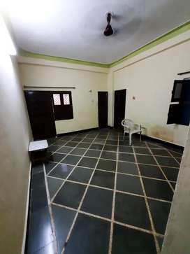 To let one room kitchen