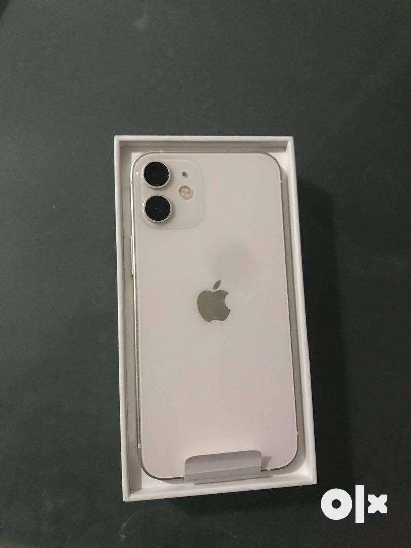 GET BUY ( white  ) IPHONE 12 MODEL 0
