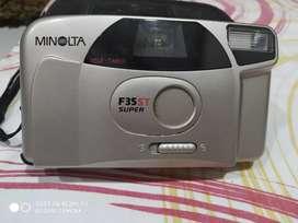 Minolta F35ST Super camera