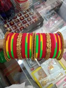 Artificial jewellaries
