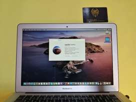 Apple MacBook Air |Core i5 | 13.3 | 128gb Storage | Year 2012