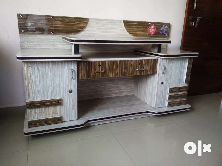 """TV Unit  for cell 5 '0"""" long 0"""