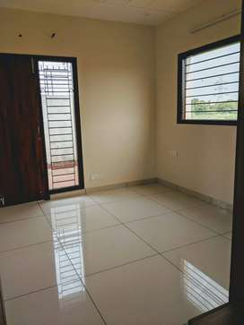 Ready to move in  3 bhk floors sec 115