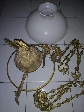 Lampu joglo antik warna mas