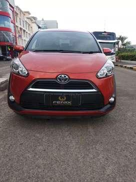 Toyota Sienta V Matic 2017 Orange