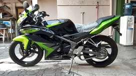 Kawasaki Ninja 150 RR 2014 baru km 1.9