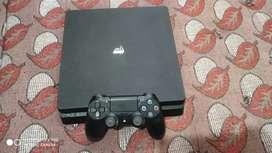 PS4 slim 1tv 6.72version 4 month old