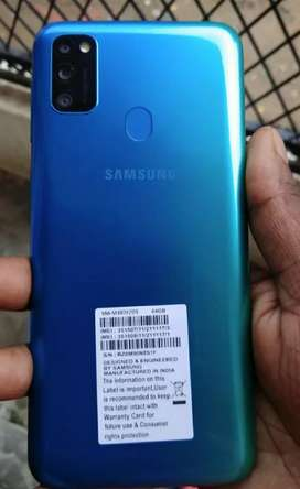 Samsung m30s 1month old selling it becoz im upgrading to oneplus