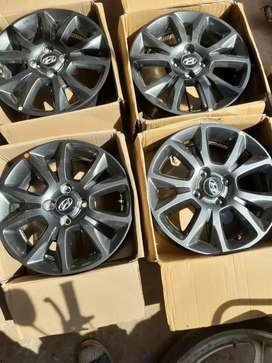 15 inch alloy wheels i20 elite with brand new tyre 25000