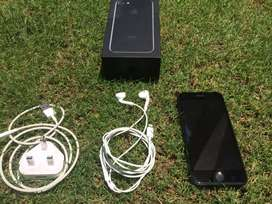 Iphone 7 128GB 10 / 10 Condition with complete accessories