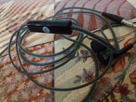 Selling Motorolla Pace 110 earphones