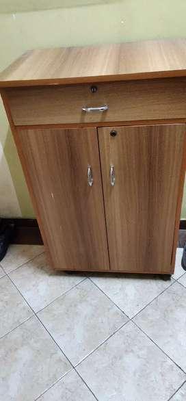 Shoe rack / storage reck in good condition