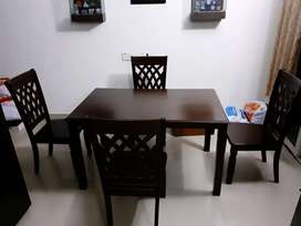 IMPORTED 38000rs DÌNING TABLE ROYAL CHAIRS
