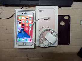 iPhone 7 excellent condition 32 GB .. original battery