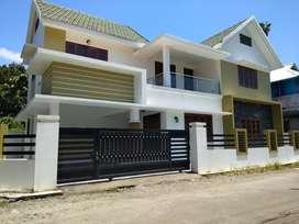 4.5 cent 3 bhk 1850 sqft brand new posh house at paravur town