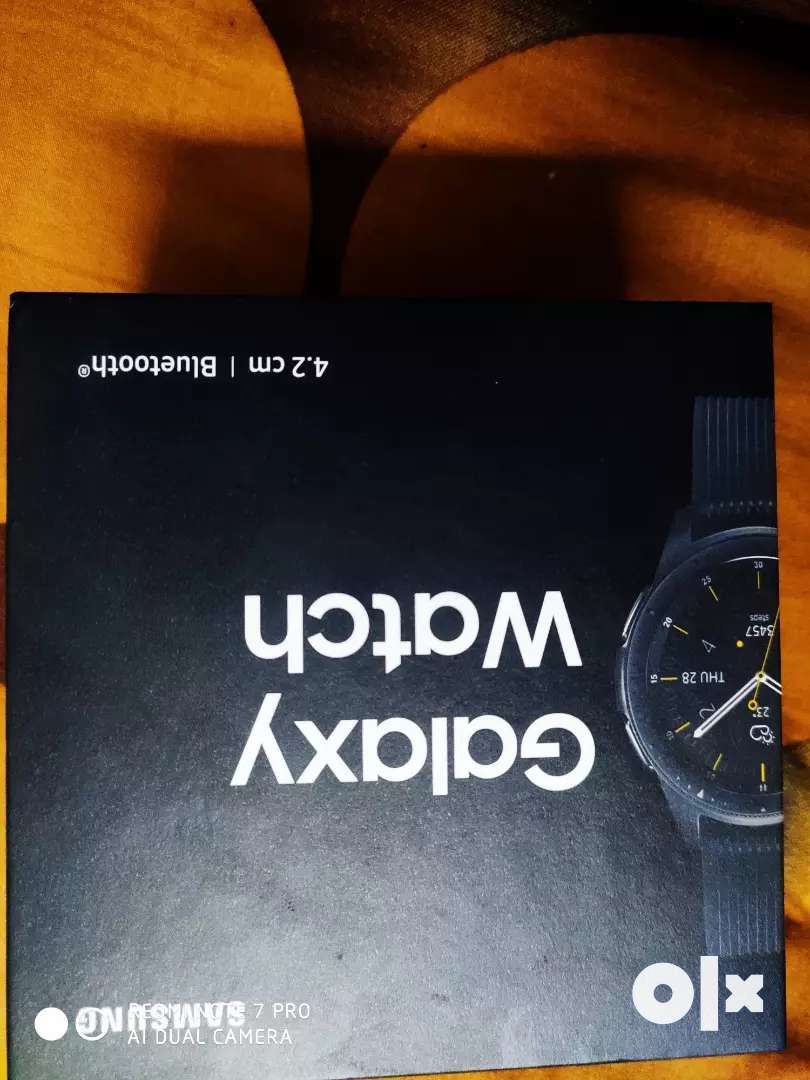Samsung galaxy watch with all accessories bill and box 0