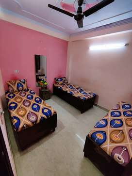 Boys & girls pg, single / double / triple seater AC rooms available.