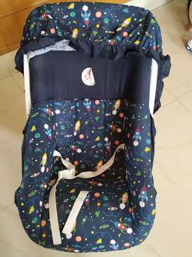 Baby carrier hardly used